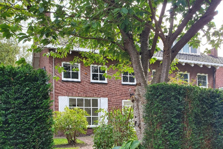 Image of house for rent at Mr. F.A. van Hallweg in Amstelveen