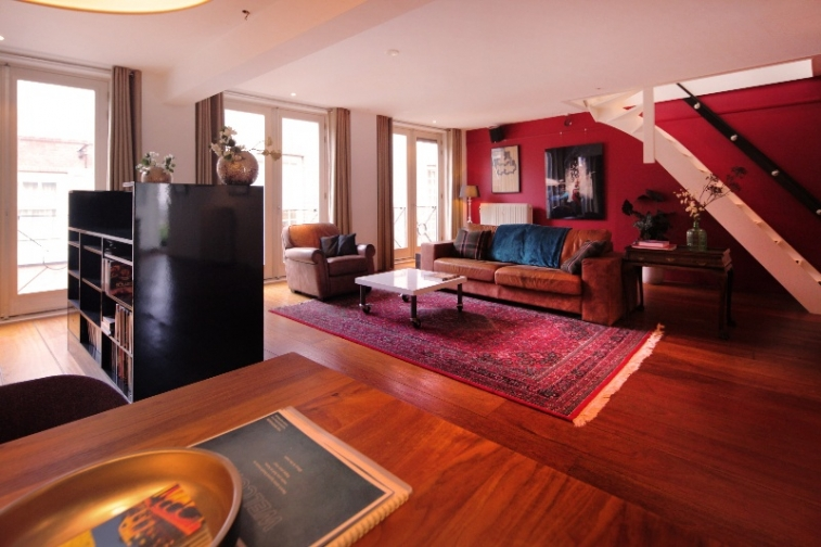 Image of house for rent at Voetboogstraat in Amsterdam